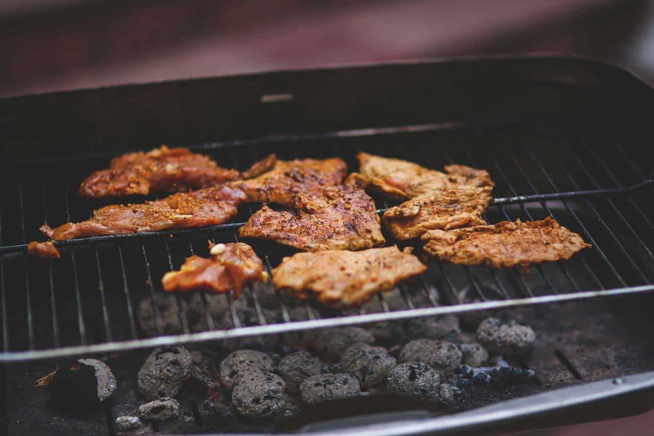 How To Cook Ribs On A Charcoal Grill 10 Easy Tips Recipe Recipe Barbecued Meats Cooking How To Cook Pork