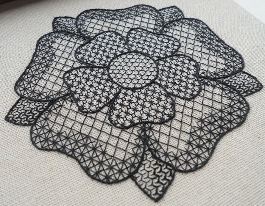 Tudor Rose Free-Form Blackwork | Broderie suisse~Chicken Scratch ...