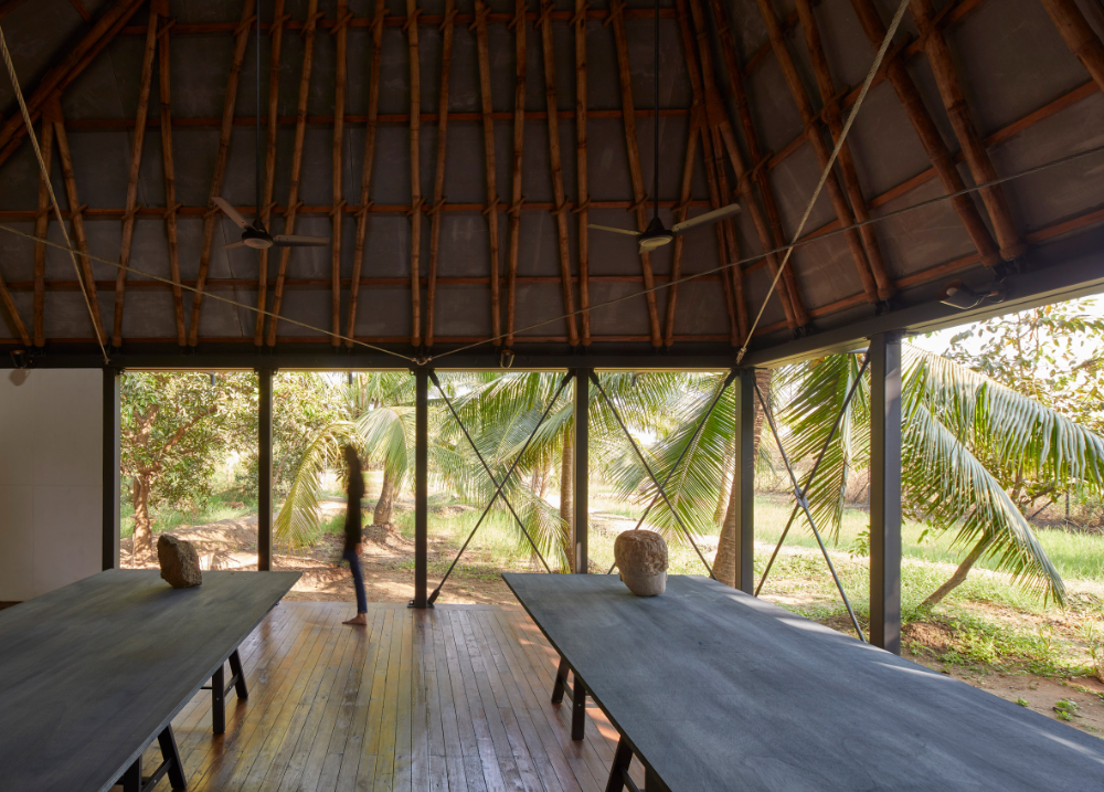 Mumbai Artist Retreat is a climate change-proof artist's cabin in India