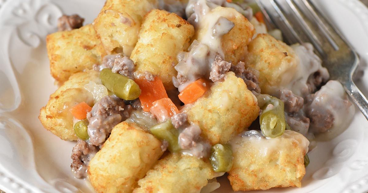 How to make a classic tater tot casserole with ground beef ...