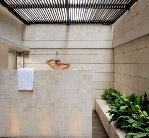 Outdoor Shower Idea From The Metropolitan Hotel Bangkok