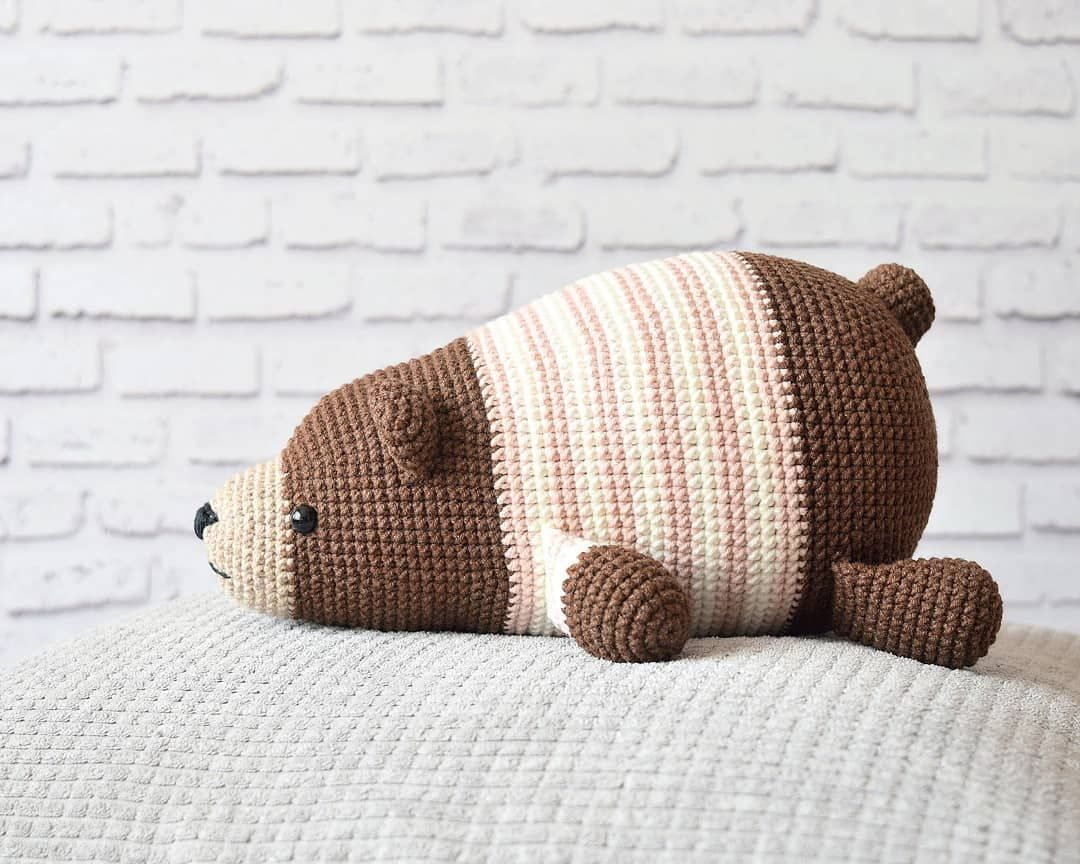Lying bear crochet pattern | Amiguroom Toys