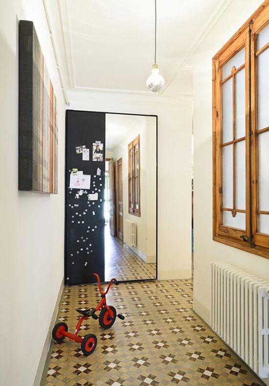 Mozaiekvloer Door Het Hele Appartement In Barcelona