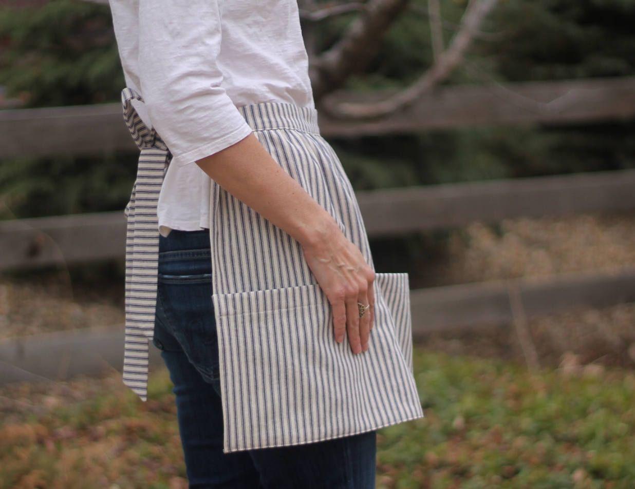 Women/'s  Cotton Striped Blue Kitchen  Apron