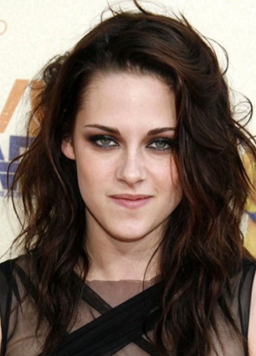 Makeup For Dark Brown Hair And Green Eyes Kristen Stewart Hair Kristin Stewart Dark Brown Hair