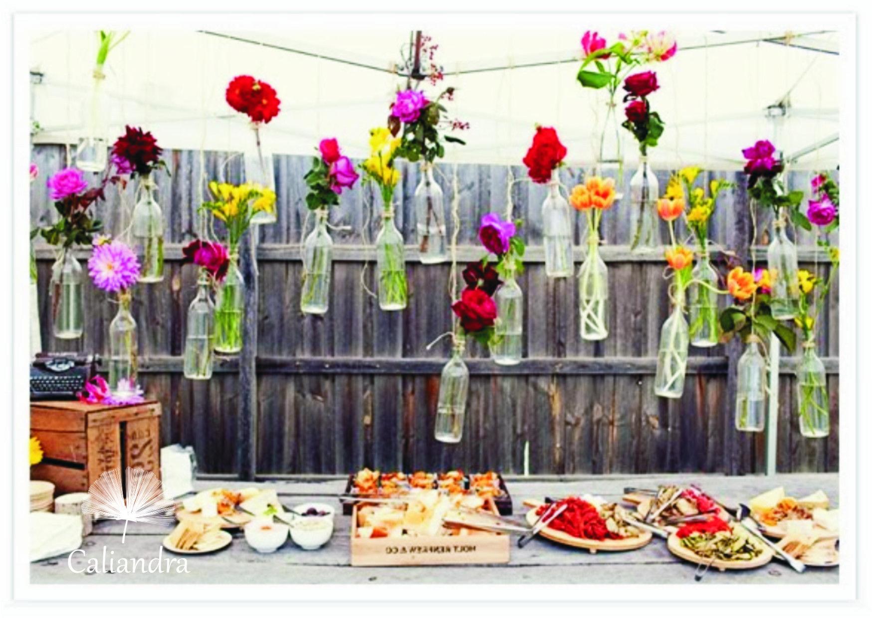 Nossas flores fazendo a diferença em decorações de casamento no campo.