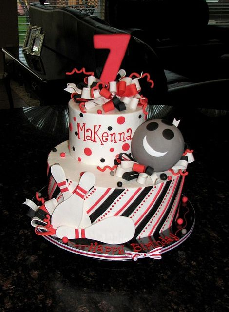 Bowling birthday party cake option