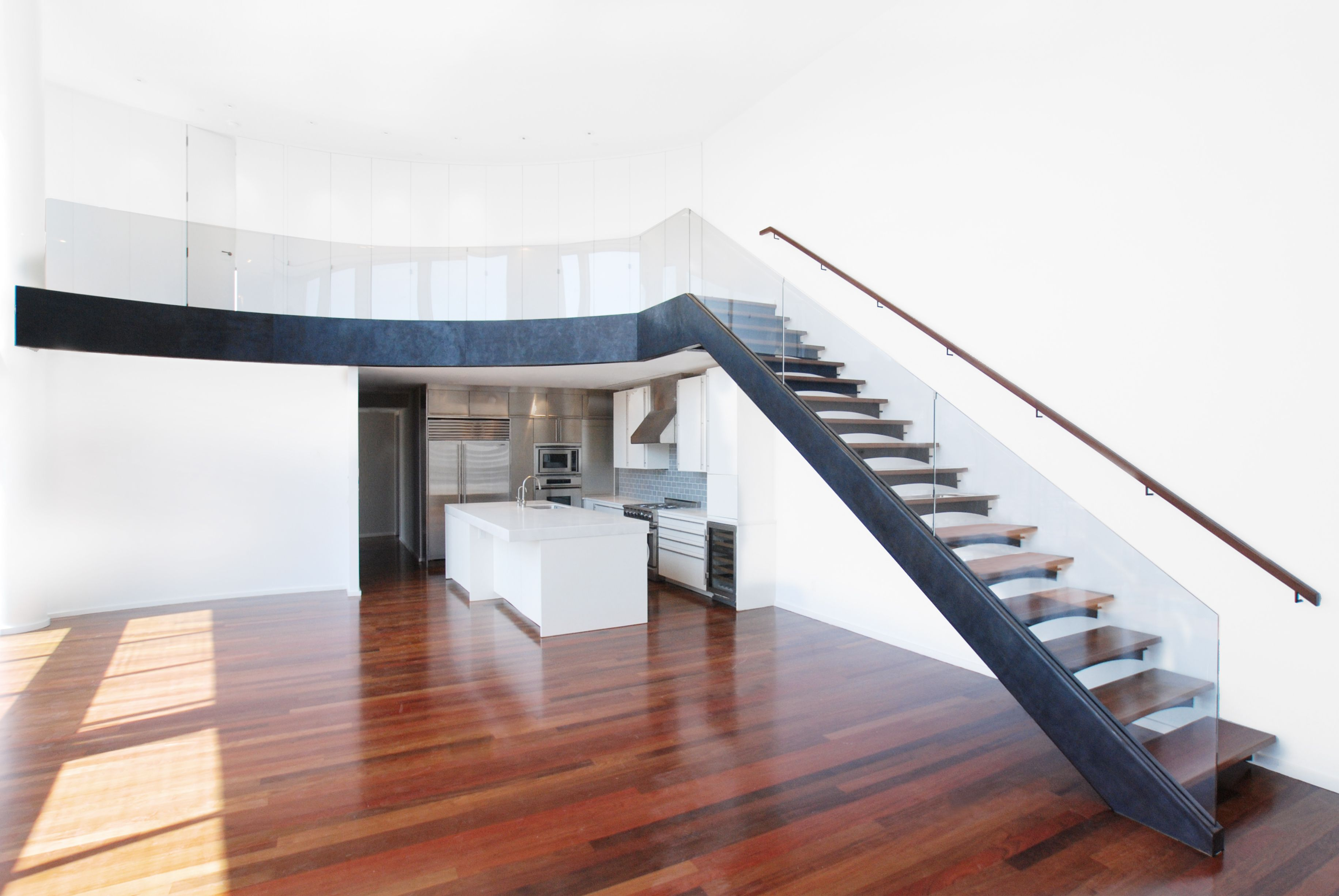 Best Steel Stringer With Wood Stair Treads And Glass Handrail 400 x 300