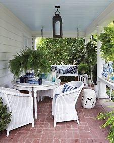 Blue And White Wicker Porch Furniture Front Porch Decorating
