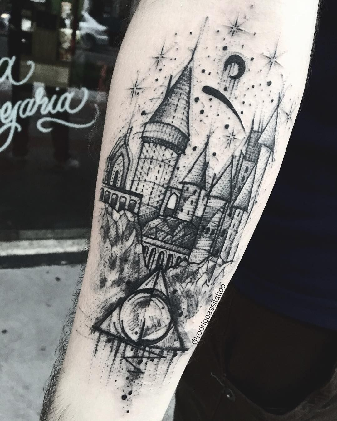 Rodrigo Assi Sketch Tattoos In 2020 Hogwarts Tattoo Harry Potter Tattoos Earthy Tattoos