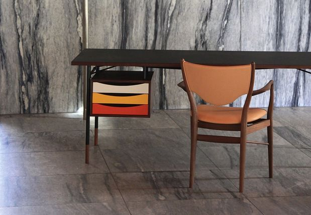 Nyhavn-bord by Finn Juhl   J.Urban Holm