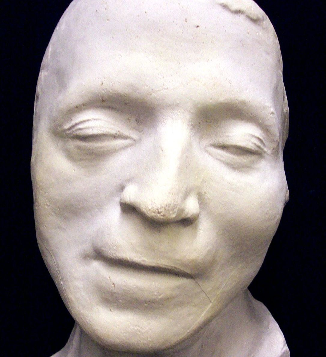 Photo of 7 Famous Death Masks That Had Lives of Their Own