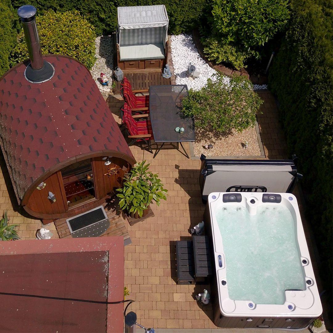 Ihr Garten Wird Zur Personlichen Wellnessoase In 2020 Whirlpool Whirlpool Kaufen Garten