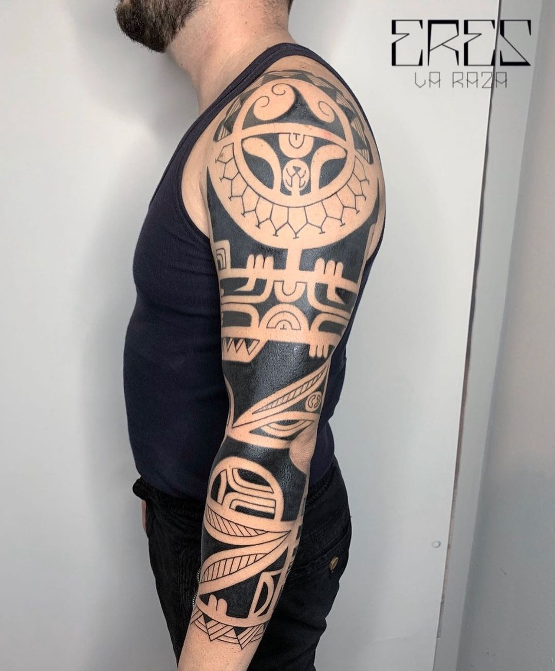 Inspired marquesan arm? Facebook: eres_la_raza_tattooerEmail::emanucnt@gmail.com#samoan tattoo #freehand #pacific #tattooculturemagazine #thebesttattooartists #inked #tattooworkers #tattoolife #tattoosocial #tattooartistmagazine #inkedmagazine #marquesantattoo #freehandtattoo #tribaltataucollective  #blacktattoo #tattoomagazine #freehandtattoo #pacifictattoo #tribaltattoo #tribal #tattoolife #ereslarazatattooer #tribaltattoos #samontattoo   Artist: @ereslarazatattooer