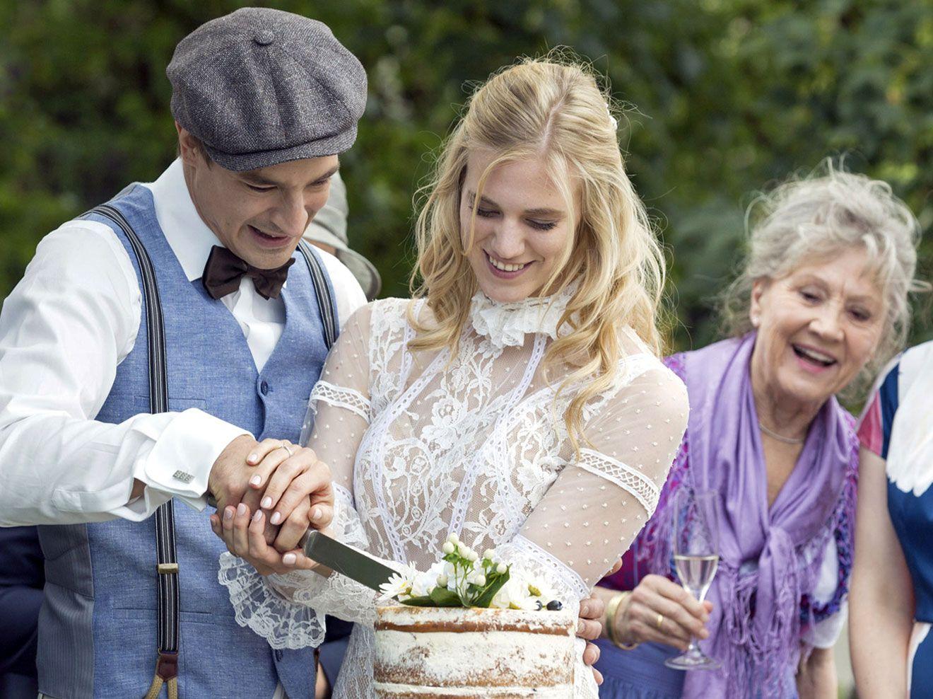 Sturm Der Liebe Alicias Und Viktors Hochzeit In Bildern Sturm Der Liebe Hochzeit Brautpaar