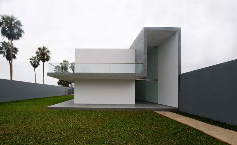 House in La Encantada / Javier Artadi