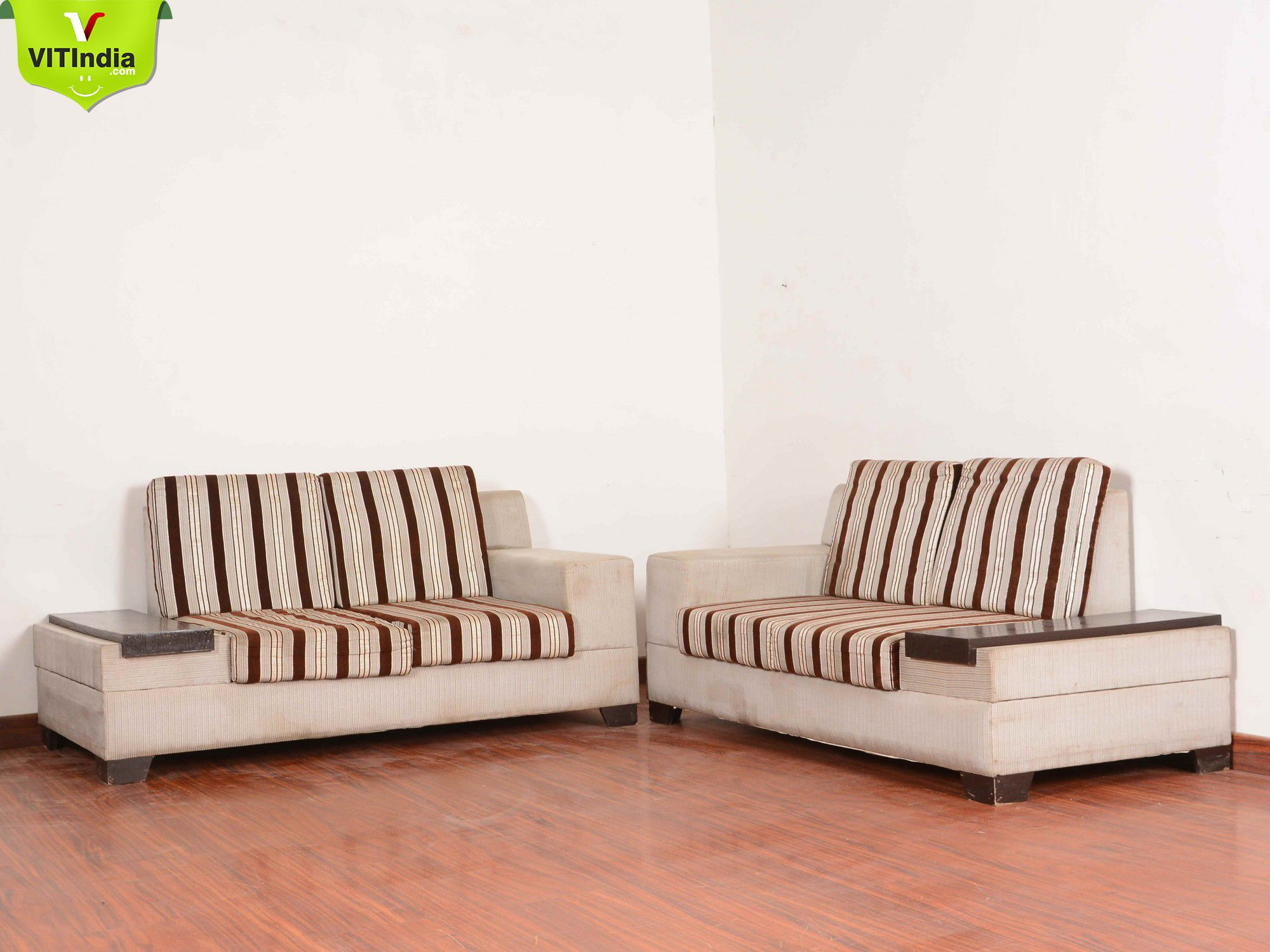 Shop 4 Sitter Sofa Set On Best Prices In Maldah Only At Vales International Trade For More Details Kindly Visit Www Vitind Home Furniture Sofa Set Furniture
