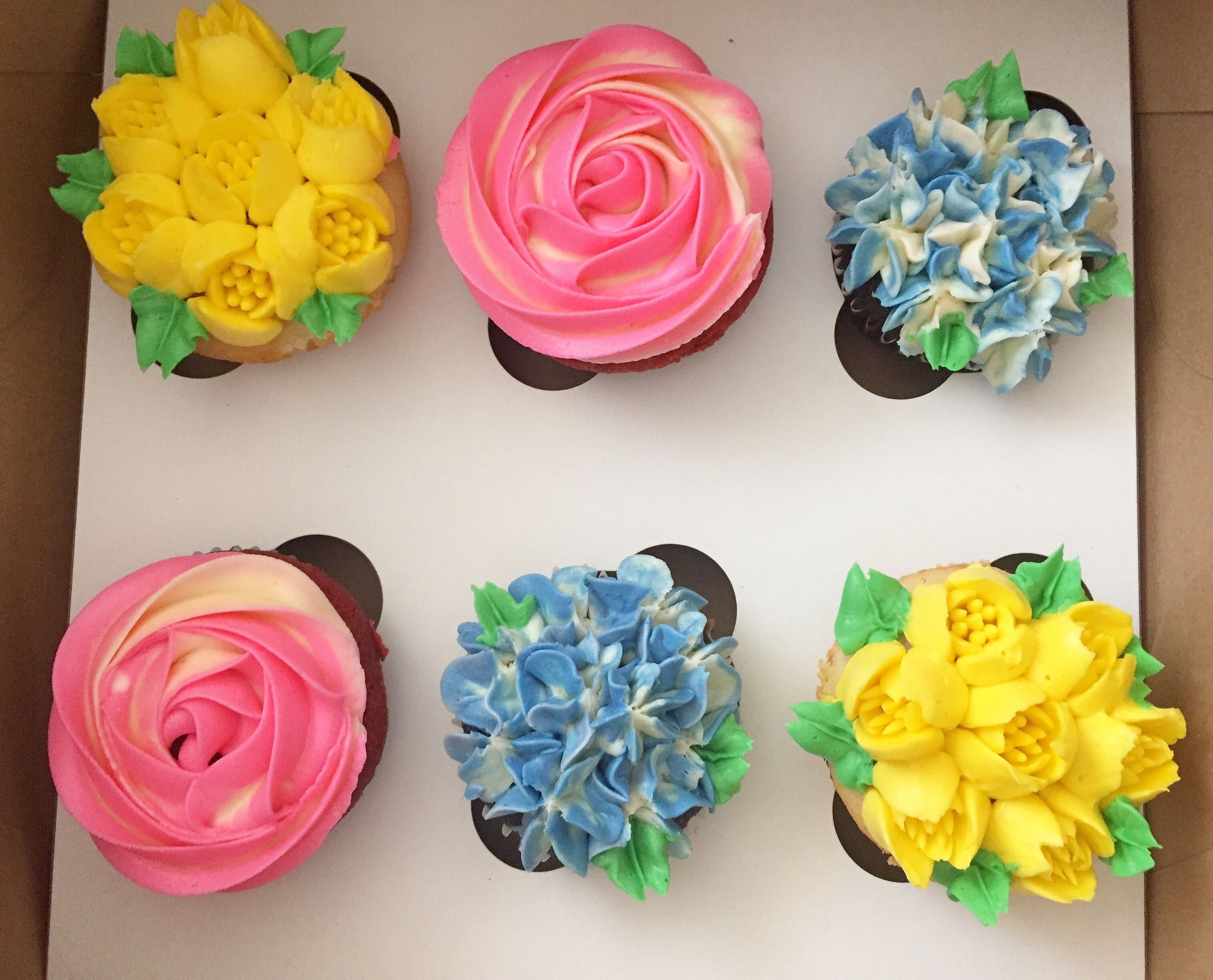 Hydrangea tulip and rose floral cupcakes for motherus day created
