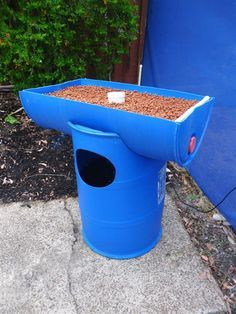DIY Backyard Hydroponics System. Has Something To Do With Fish: Must  Research More!