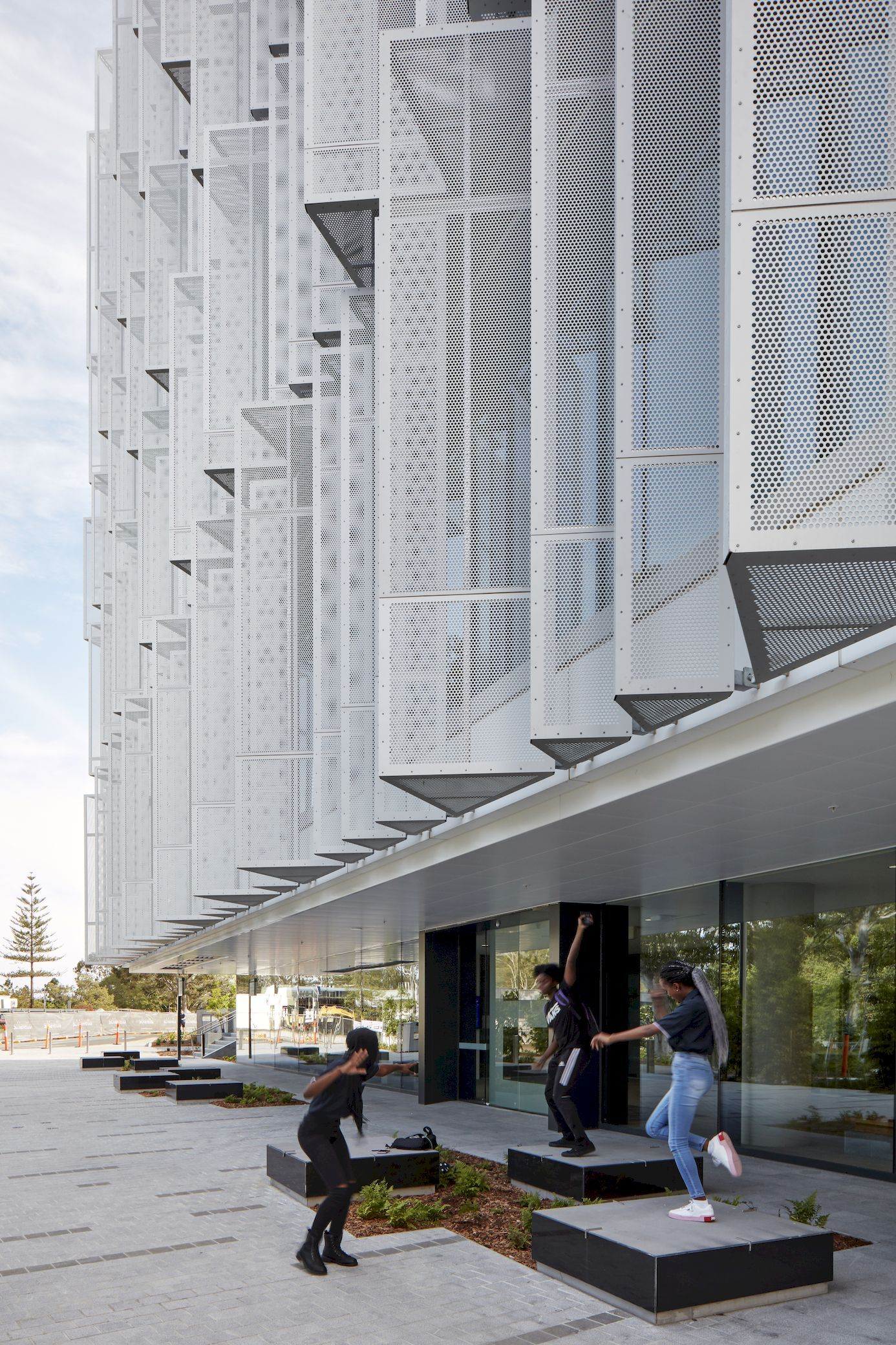 Peter Coaldrake Education Precinct Henning Larsen Facade Architect