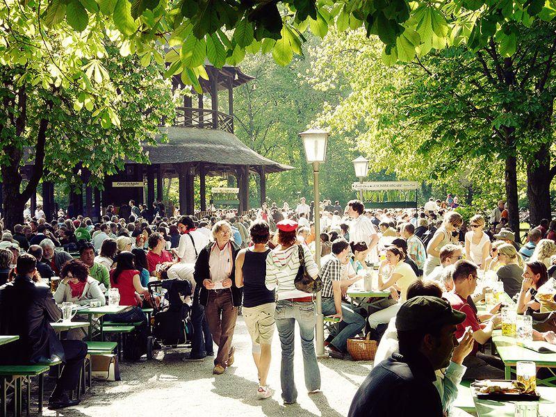Liebesdeutschland Biergarten Munchen Munchen Englischer Garten Garten Munchen