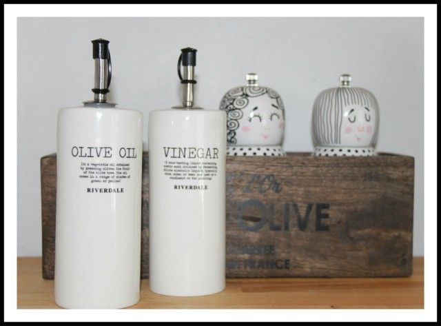 I love this Riverdale Oil & Vinegar set!