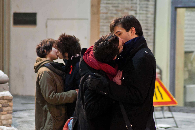 """Riforma sulle unioni civili, le coppie gay si chiameranno """"Formazioni sociali specifiche"""""""
