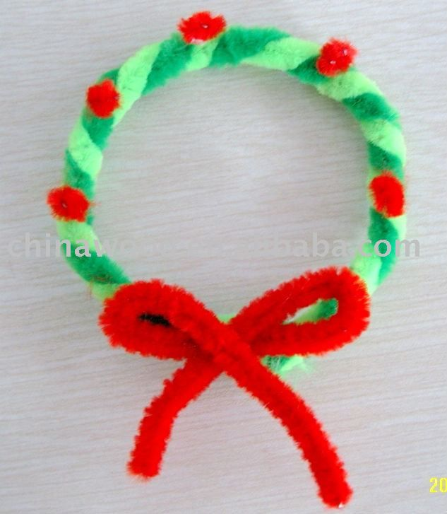 green and red pipe cleaner wreath kids craft xmas | Christmas ...