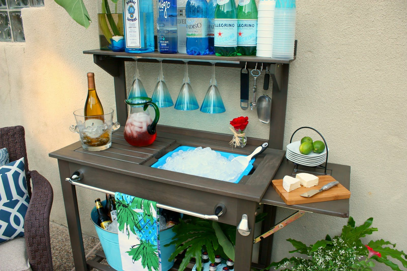 deluxe potting bench that hooks to garden hose
