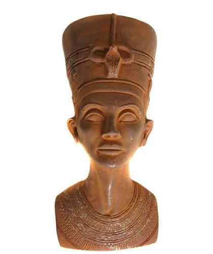 Busto de Nefertiti, la nave del misterio