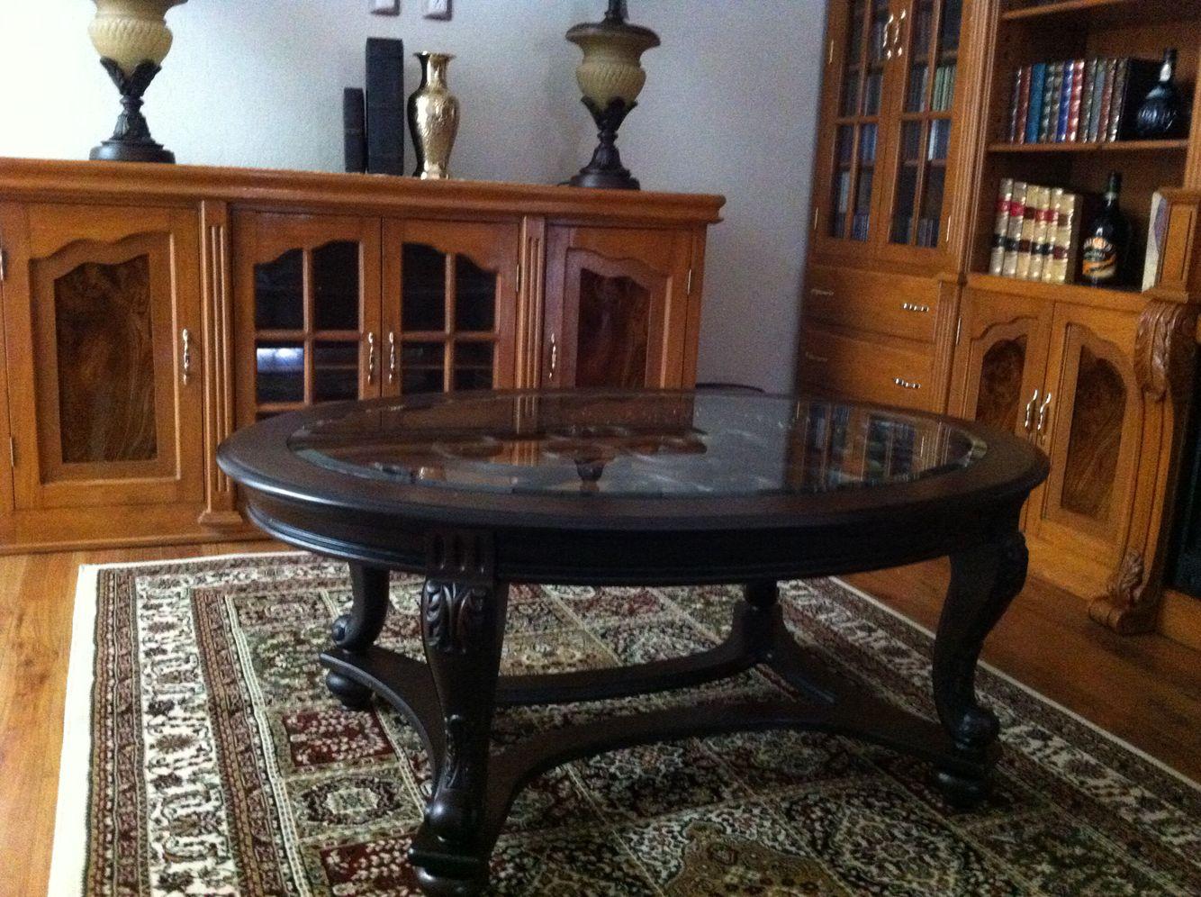 Mesa de centro oval sobre alfombra turca | Casas de lujo varios ...