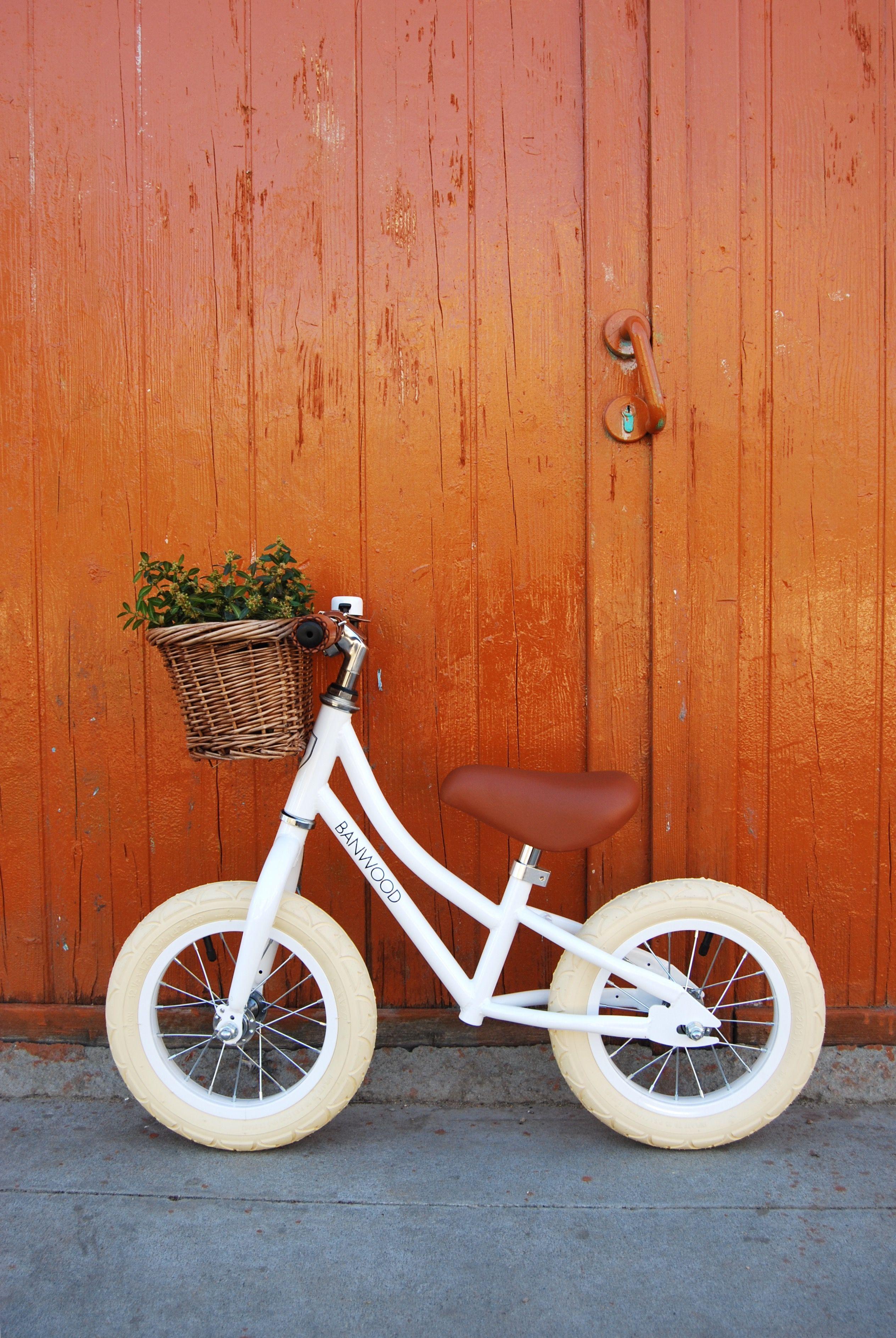 eb46f493bbb FIRST GO! - White | Little | Balance bike, Push bikes, Bike