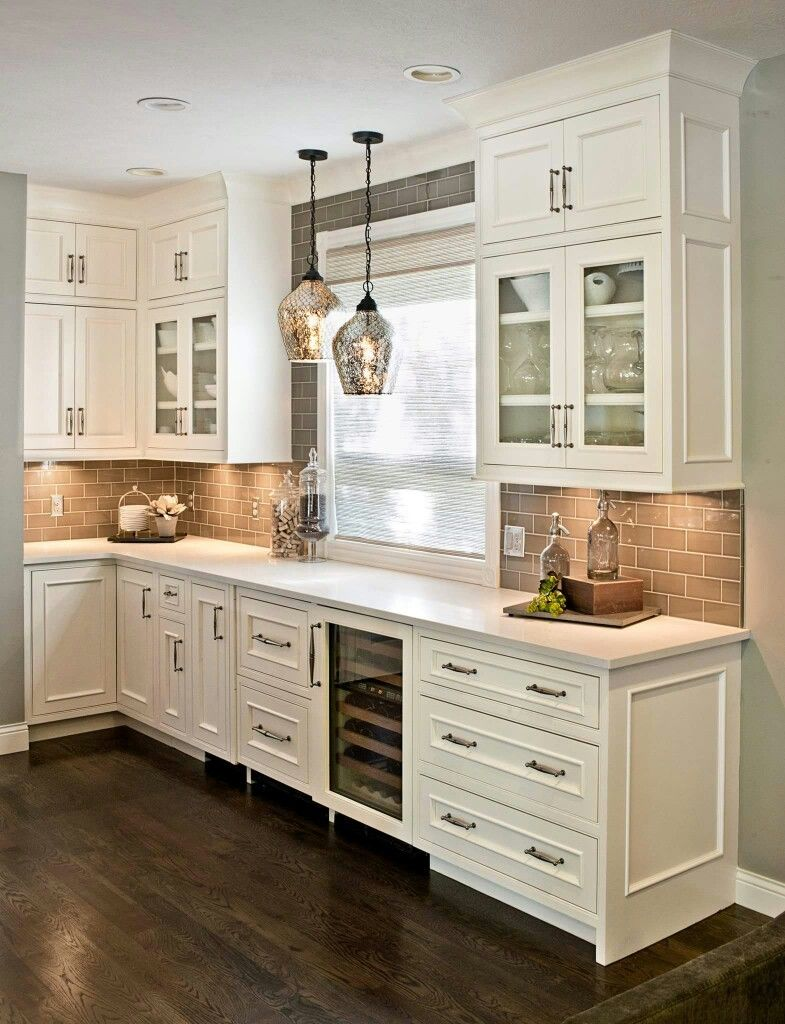 Light Brown Tile Brick Looks Nice Against Beige Cabinets Like The Trim On End Of Rustic Kitchen Cabinets Farmhouse Kitchen Backsplash Kitchen Cabinet Design