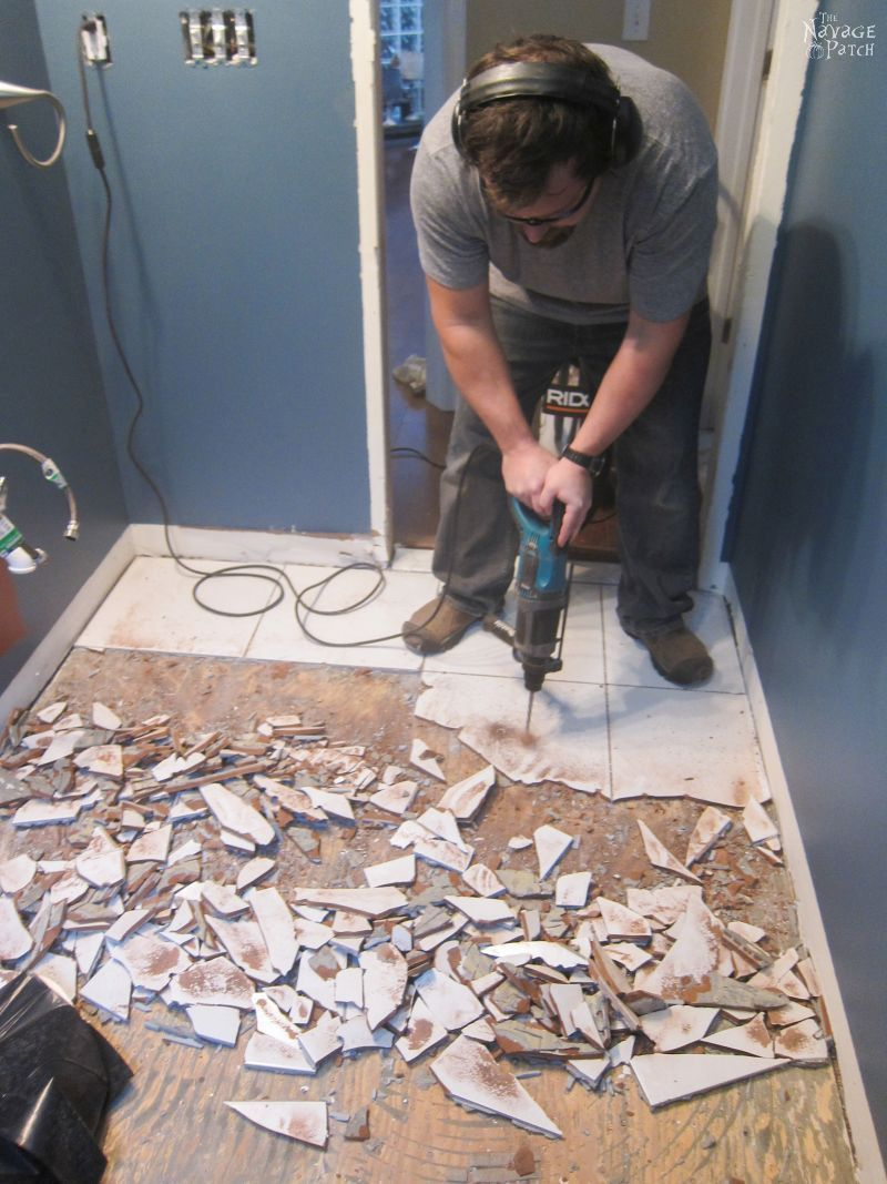Guest Bathroom Renovation How To Remove A Baseboard Floor Tiles The Easy Way Of Removing Tile Flooring