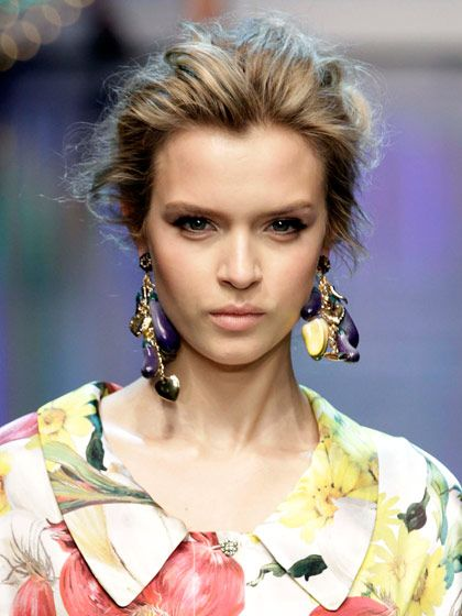 Pretty updos at Dolce & Gabbana's spring 2012 show. Mine never look this good!