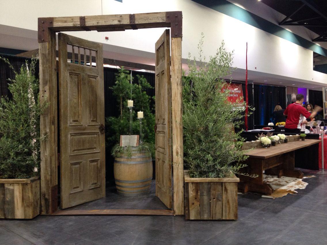 Garden gate door at Annadale venue in Sanger, CA Garden