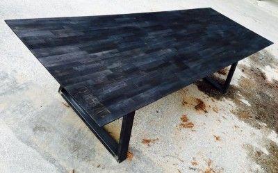 plateau de table en bois br l sur pi tement m tallique meubles table ceramics et deco. Black Bedroom Furniture Sets. Home Design Ideas
