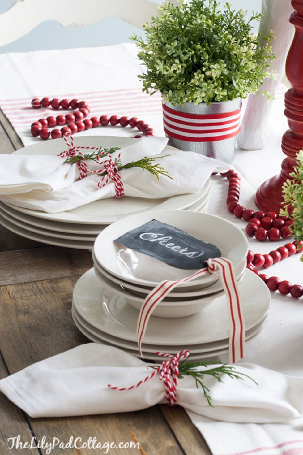 The Best Christmas Table Decorations for All Your Holiday Parties