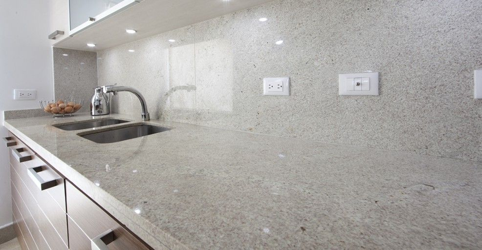 Laminas de granito mesones en granito para cocinas - Encimera granito blanco ...