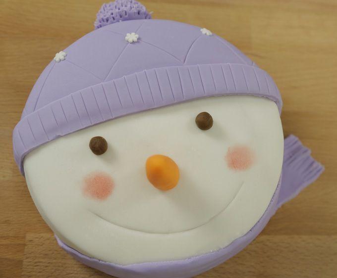 mon gâteau bonhomme de neige en chair et en pâte à sucre recette