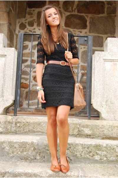 Black lace dress color shoes
