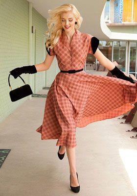 Чем стиль ретро в одежде покаряет модниц?