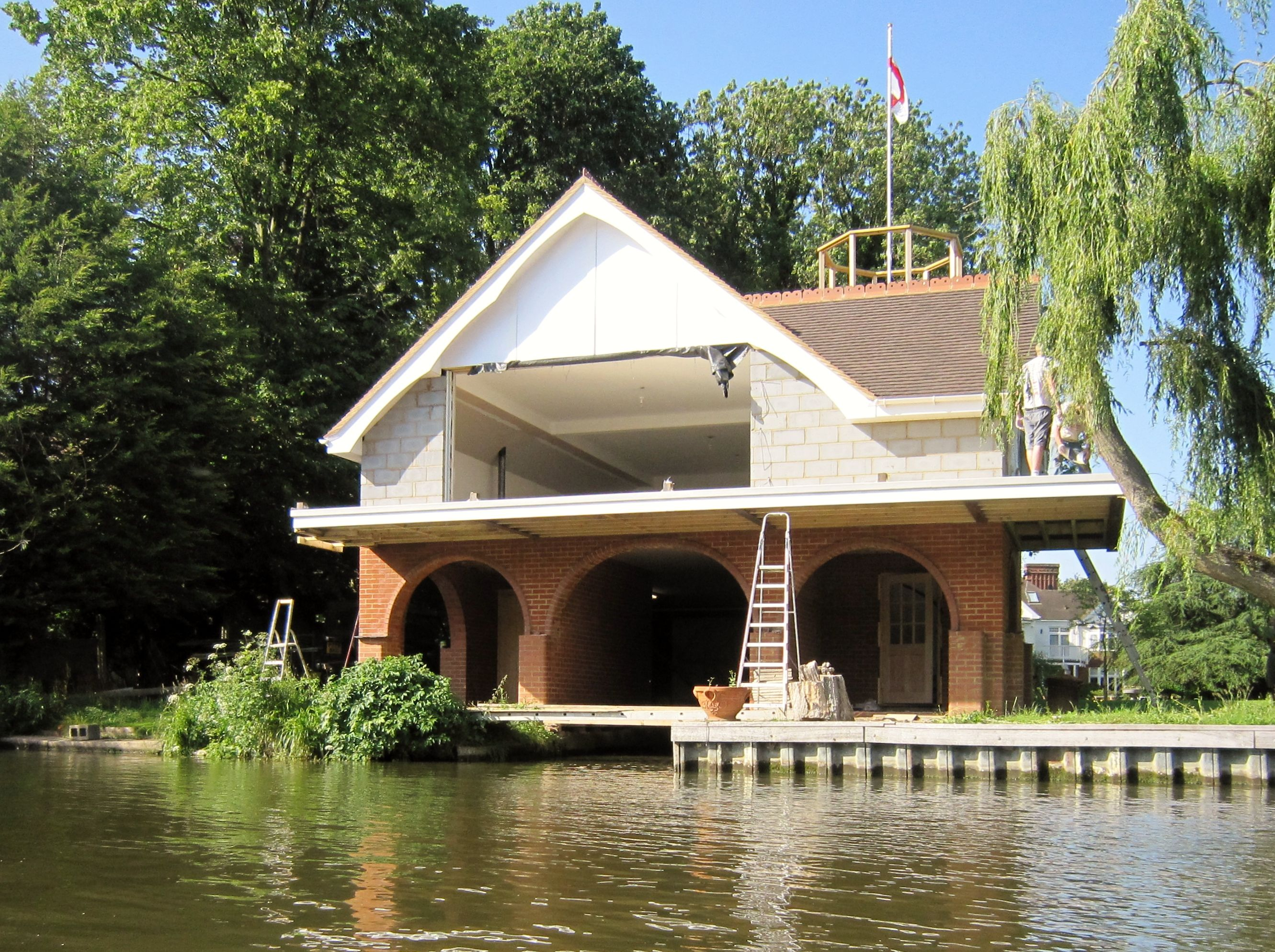 Houses On The River Thames With Images House Styles Holiday