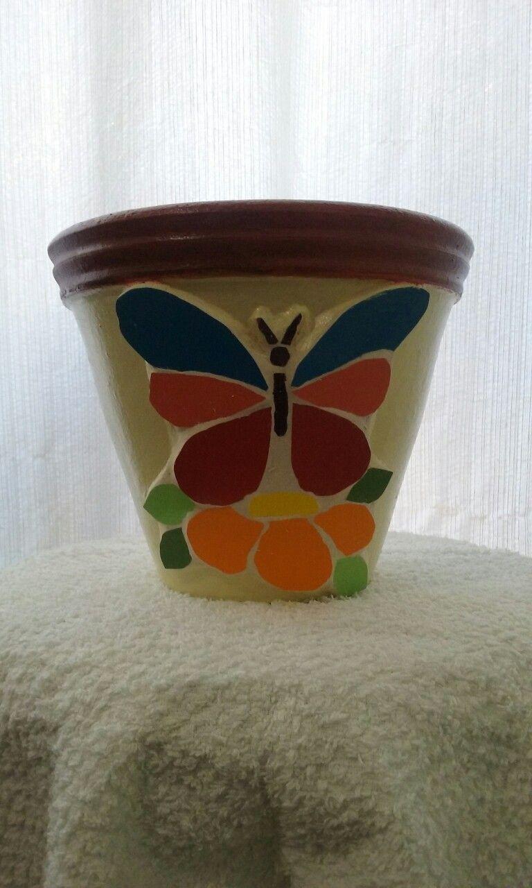 Vaso em mosaico feito por: Flávia Mila - mosaicos