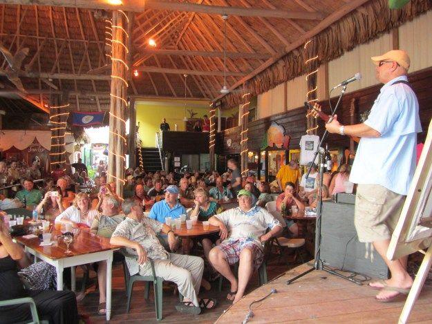 Chicken_nachos_Fidos,_BelizeR | NachoDudes  |Fidos San Pedro Belize