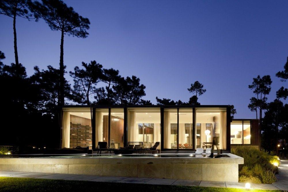 Aroeira iii house: een hedendaagse design woning in portugal