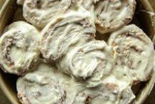 Pumpkin Cinnamon Rolls with Vanilla Frosting- gluten free and...