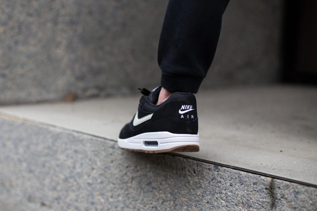 finest selection 48fb1 f5751 Nike-Air-Max-1-Essential-Black-Gum-3