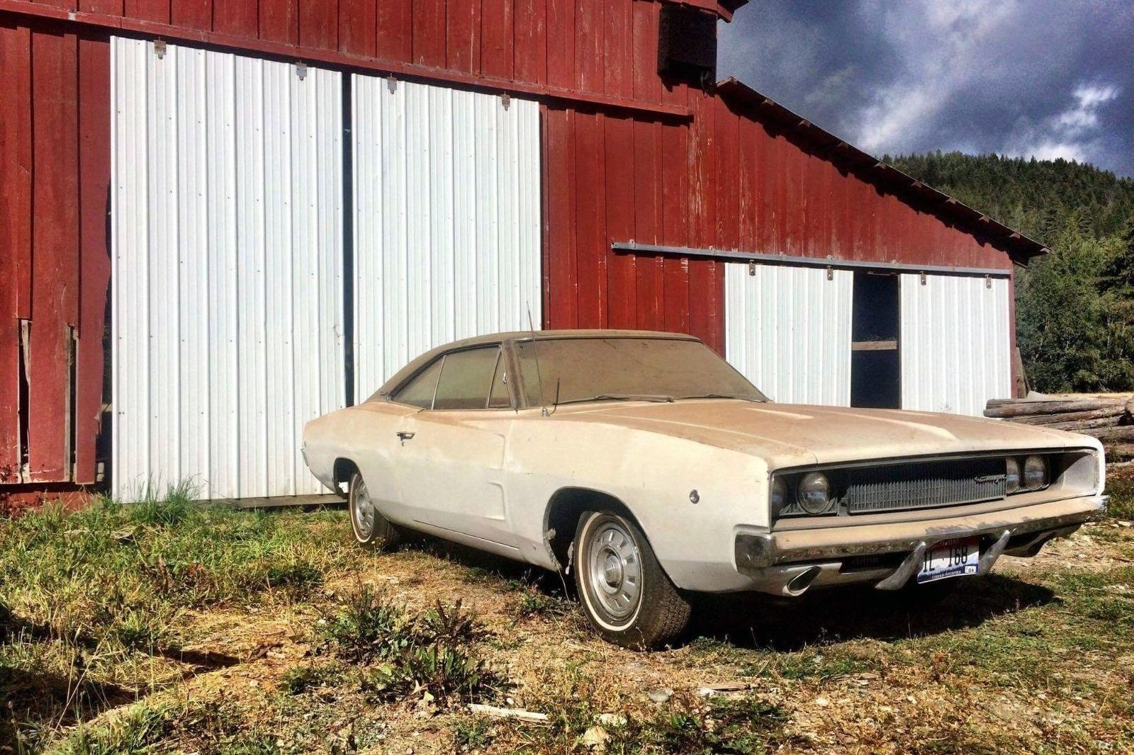 Barn Fresh Mopar: 1968 Dodge Charger - http://barnfinds.com/barn ...