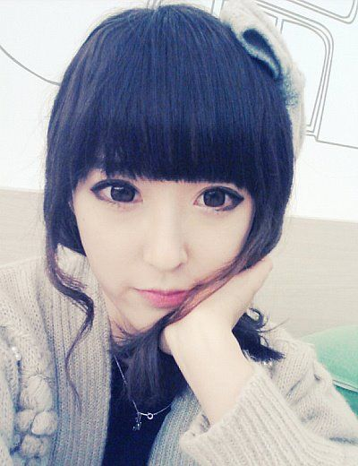 Ulzzang cool makeup and contacts